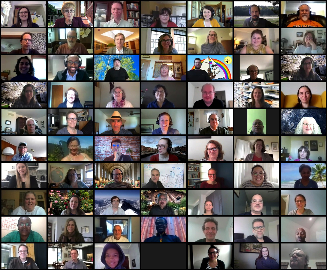 Group photo of many IASSIST members who participated the virtual General Assembly 2020 on Zoom.